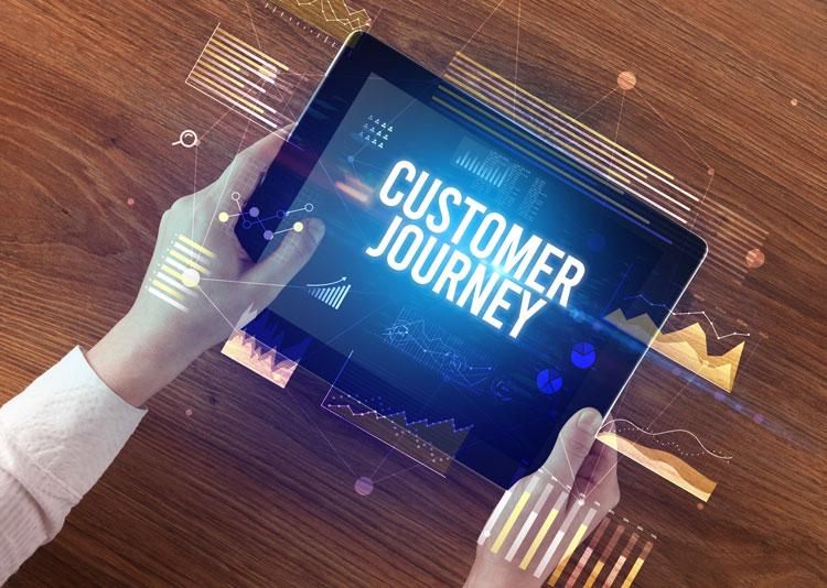 Customer Journey steht auf einem Tablet